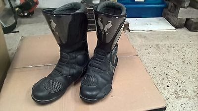 Red Coyote motorcycle boots Size 10