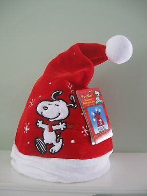 """DanDee SNOOPY Musical Animated Stocking Hat Plays """"LINUS & LUCY""""  NEW w/ TAGS"""