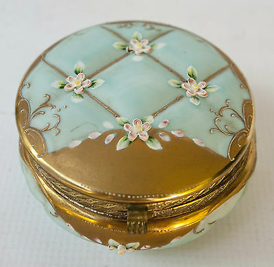 Porcelain Box Trinket Dresser Jewelry Gilt Gold Hinged. Late 19th Century