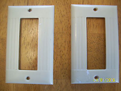 2 Vintage Sierra Electric Mid Century Ivory Colored Bakelite Ribbed Outlet Plate