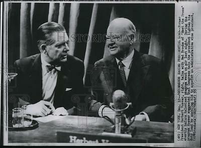1955 Wire Photo Former President Herbert Hoover talking with Ned Brooks in N.Y.