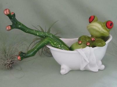 SEXY GREEN TREE FROG TAKING RELAXING BATH WHITE TUB RESIN Whimsical Sculpture