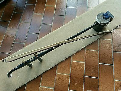 Chinese erhu double string violin