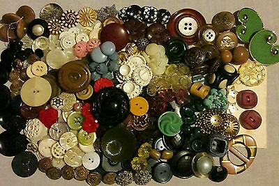 Vintage Mixed Lot Buttons **1 pound**!!