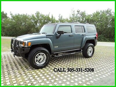 2006 Hummer H3 Base 4dr SUV 4WD 2006 HUMMER H3 4X4 Leather Sunroof Carfax certified One Florida owner Low miles