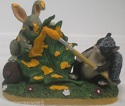Charming Tales Dean Griff Silvestri Skunk and Rabbit Painting The Leaf 87443 New