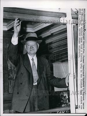 1957 Press Photo Former President Herbert Hoover returns to Miami after trip