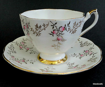 Queen Anne Tea Cup & Saucer Pink Bud Blossom 5634 Regal Gold Leaf Bone China UK