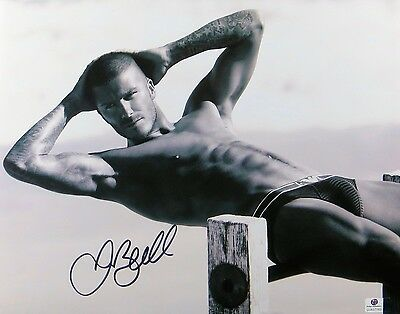 David Beckham Signed Autographed 11X14 Photo Gorgeous Sexy B/W Abs GV837763