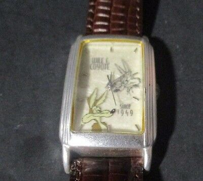 1996 WILE E COYOTE Comic Character Watch Leather Band Limited Edition R182 PZ