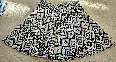 Girl's black and White patterned skirt size 10/11 by Candy Couture