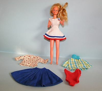 Mattel Teen Skipper w/5 pces of clothes - bendable legs - 1967/1978