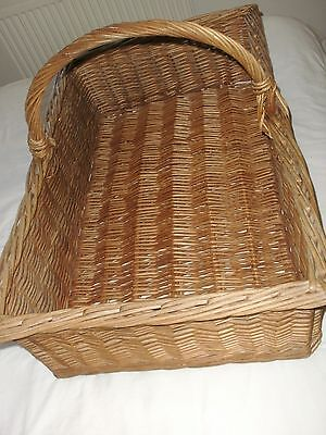 Large Antique Wicker Bakers Basket.