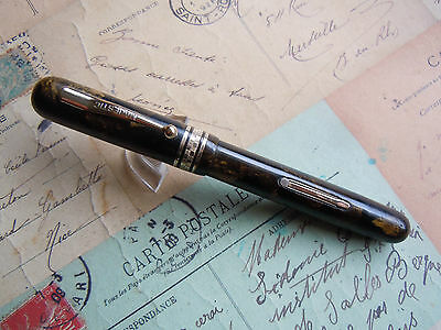 Vintage Chunky Majestic Fountain Pen With Black/gold Finish