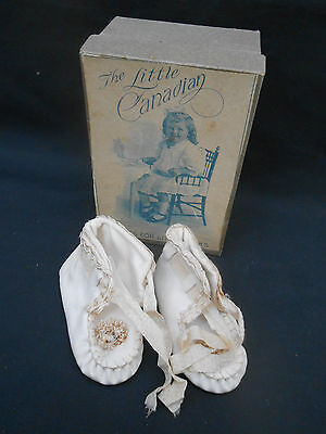 Antique White Leather ** BABY'S LACE UP SHOES ** Boxed LITTLE CANADIAN SHOES