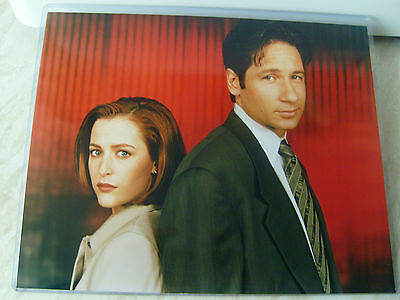 """Two 8"""" x 10"""" The X-FILES TV Fox Mulder Dana Scully vintage photos x 2 Exc++"""