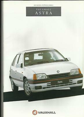 Vauxhall Astra Full Model Range Sales Brochure September 1990 For 1991