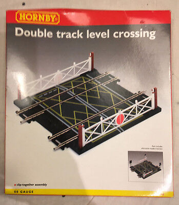 Hornby OO Gauge Track R636 Double Level Crossing - *NEW BOXED*