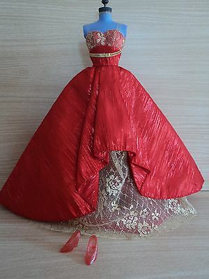 Barbie Collectors Edition 2014 Holiday Red and Gold Gown with Red Sparkle Shoes