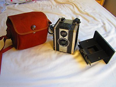 Vintage Coronet Camera D20 Synchronised Model in VGC Complete with case + strap