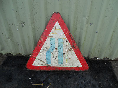 METAL Free STANDING Highway A-BOARD ROADSIGN Road Sign ROAD NARROWS ON ONE SIDE