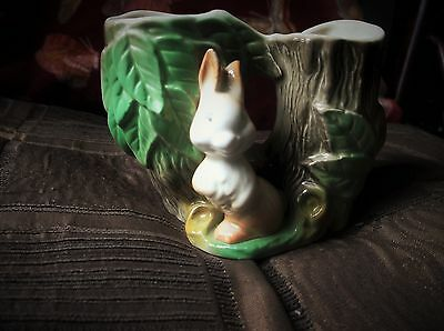 Vintage Adorable Rabbit Double Posy Vase Eastgate Withernsea Pottery Fauna 25