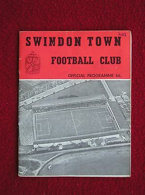 Swindon Town V All Star Xi Testimonial Bert Head 21.05.1963 Bobby Moore