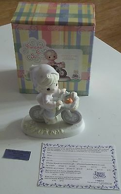 Precious Moments THE ROAD TO A FRIEND IS NEVER LONG Figurine C0024 Collectors Cl