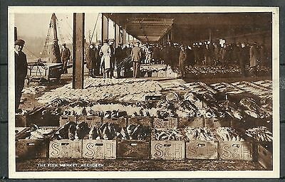 Postcard : Aberdeen Fish Market auction in progress S & H boxes of fish