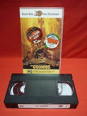 THE GOONIES by STEVEN SPIELBERG VHS VIDEO VGC CLASSIC MOVIE