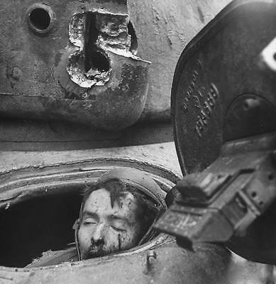 WWII Photo Pershing Tank Driver Wounded by Cologne Panther World War WW2 / 1189