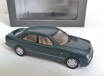 HERPA Mercedes-Benz E320 Elegance 1995 1/43 Dealer edition
