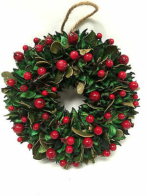 Small Round Hanging Leaf & Red Berry Christmas Wreath Hanging Decoration