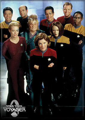 Star Trek Voyager Photo Quality Magnet: Cast/Crew