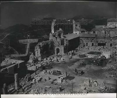 1950 Press Photo View of reconstruction work  at the abbey of Monte Cassino