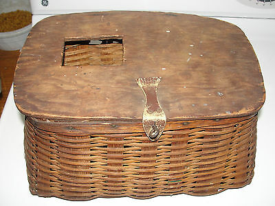 Old Antique Wicker With Wood Top Trout Fishing Creel,great Decoration,vintage
