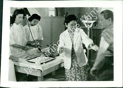 AFJ-172 Vintage Photo- WWII Japanese relocation in USA
