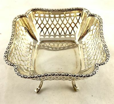 Beautiful Square Solid English Silver Basket On Legs 66g Synyer & Beddoes