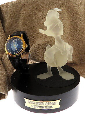Highly Collectable Limited Edition Fossil Donald Duck Watch and Figurine