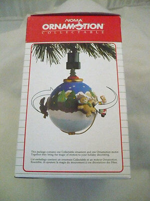 Noma Ornamotion Collectable Xmas Moving Ornament Revolving bears in forest scene