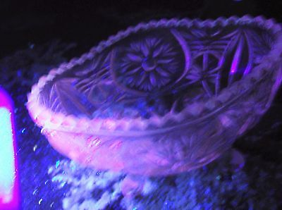 Vintage Clear Glass Oval Sugar Bowl On 4 Feet Very Ornate Design Pink Uv Glow