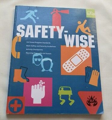 Girl Scout Safety-Wise Book 2000 Edition