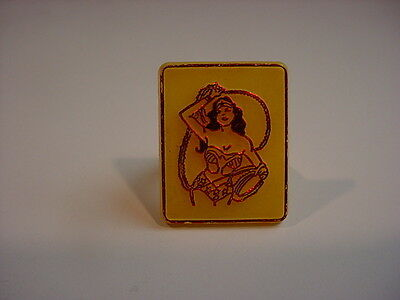 nice 1970's WONDER WOMAN RING yellow plastic/red chrome