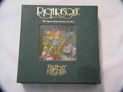 Harmony Kingdom Picturesque Magnetic Tile Byron's Secret Garden Cata's Pillow