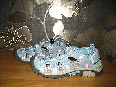 Girls Hiking Walking Summer Sandals Shoes Size 3   BNWOT
