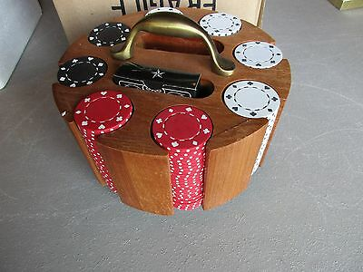 200 Ct Chip Set With Wooden Carousel, Poker Set WITH CARD DECK IN BOX, MAN-00656