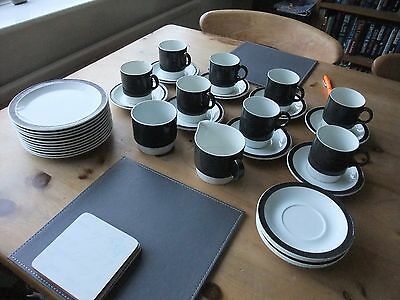 Lovely Poole Part Tea Service In Dark Green 33 Pieces Circa 1970s