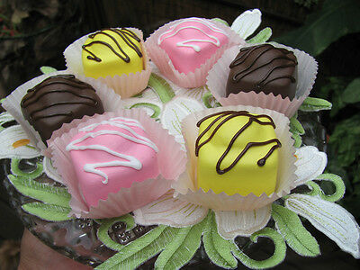 Cakes Fake Artificial ,fondant French Fancies,advertising Shop  7