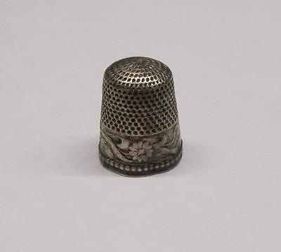 Vintage Sterling Silver Floral Design Thimble ~ 4.3 grams ~ 8-A892