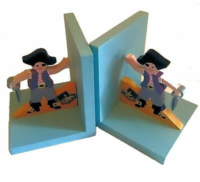 SASS & BELLE Kids Wooden Pirate Bookends- NEW